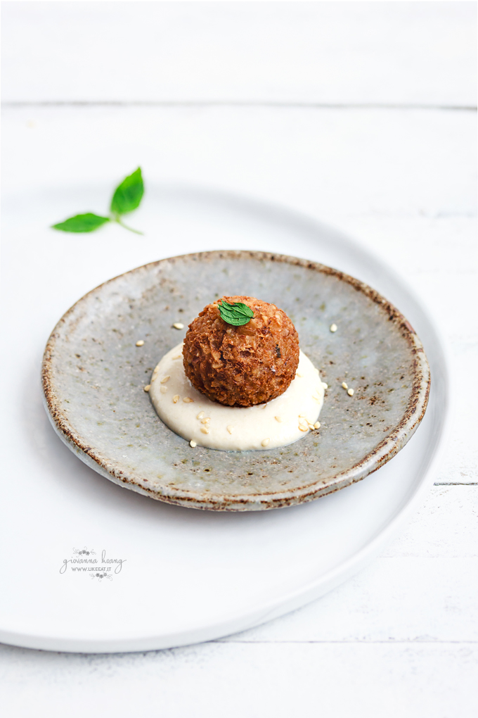 polpette-vegetariane-di-bulgur-con-salsa-tahina-680s-3587