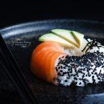 Sushi donuts al salmone e avocado