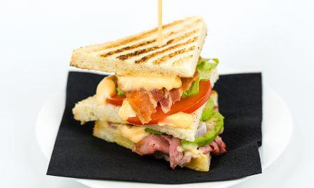 Duck Club Sandwich di Joe Bastianich