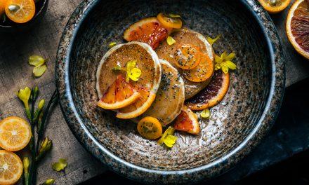 Pancake all'arancia e kumquat con sciroppo d'acero