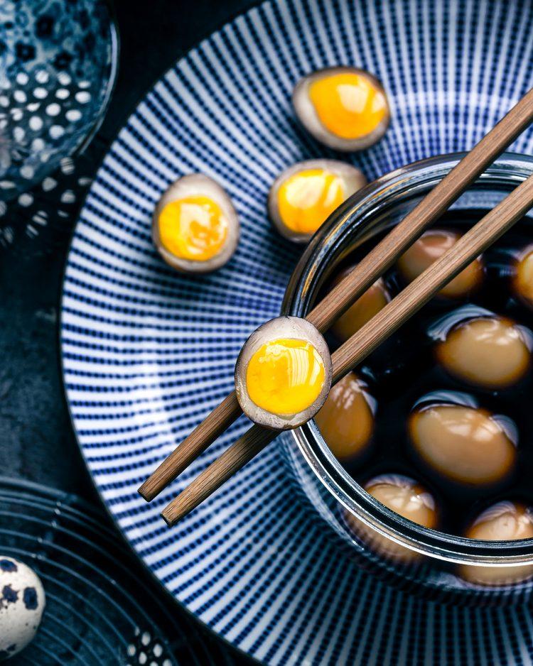 ramen egg con uova di quaglia